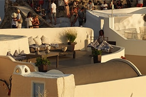 where to stay in oia anima residences