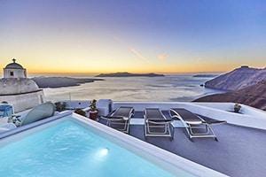 trieris villa and suites luxury fira hotel in santorini