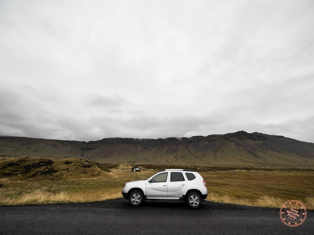 safe side of road stops in iceland