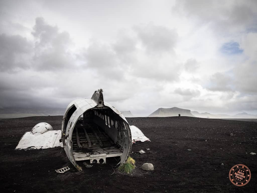 the downed plane in solheimasandur iceland