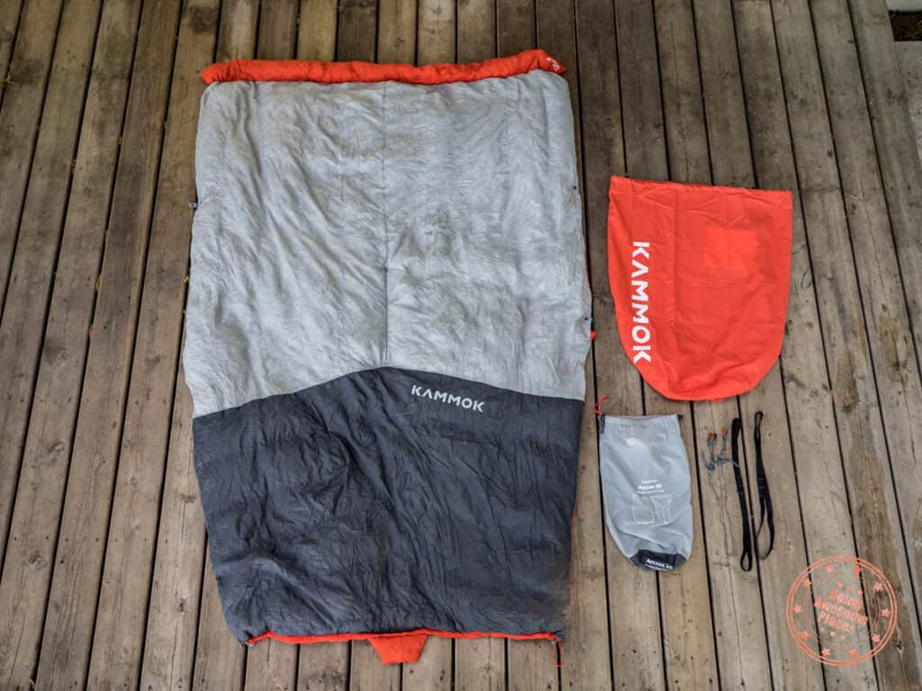 kammok arctos review of ultralight quilt with all items included.