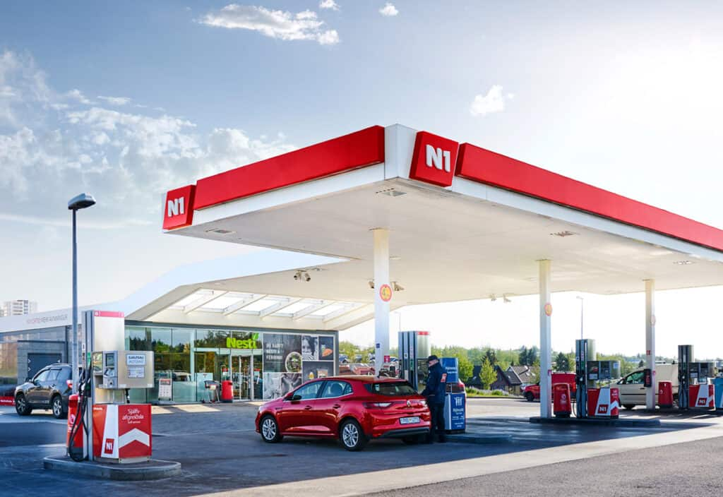 n1 gas station in iceland