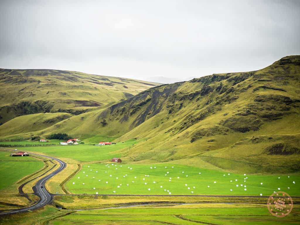 beautiful roads in iceland driving tips