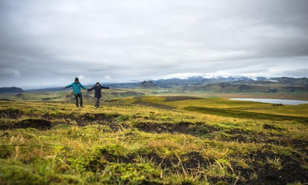 what to wear in iceland featured