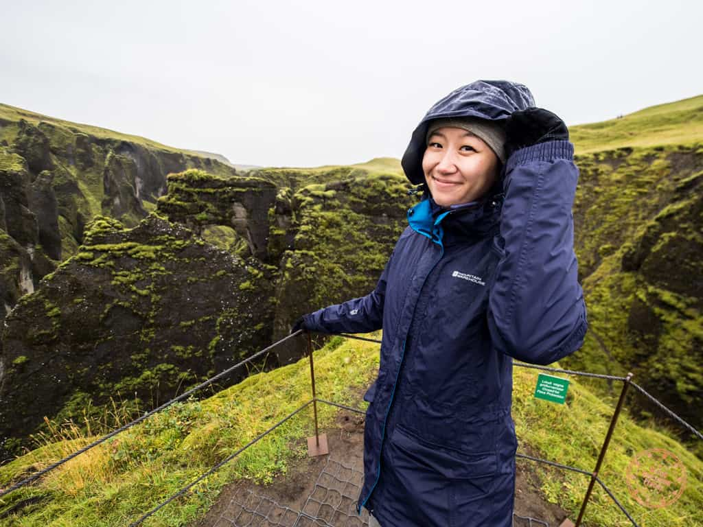 what to wear in iceland for women at fjaðrárgljúfur canyon